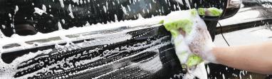 bien laver la carrosserie de voiture