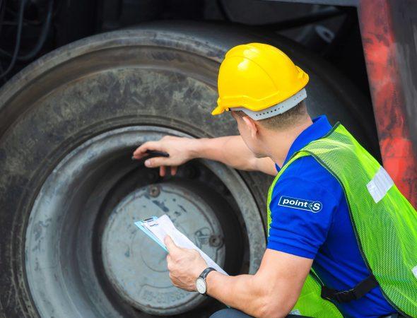 mecanicien-pneumatiques-camion-web-points